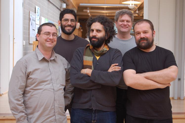 David Mellis, Tom Igoe, Gianluca Martino, David Cuartielles et Massimo Banzi