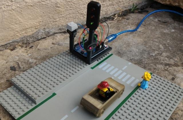 Feu tricolore contrôlé par Arduino