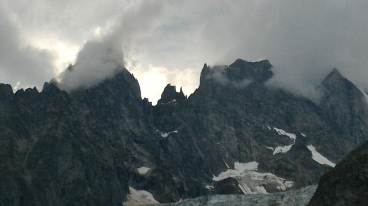 Vers l'entrée du tunnel du Mont blancs, il va bientôt y avoir de l'orage.