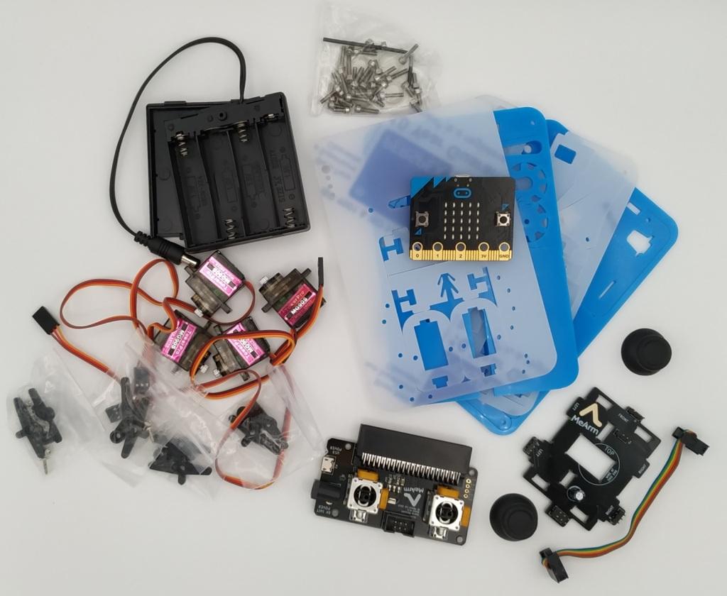 Les pièces du bras robot MeArm avant le montage