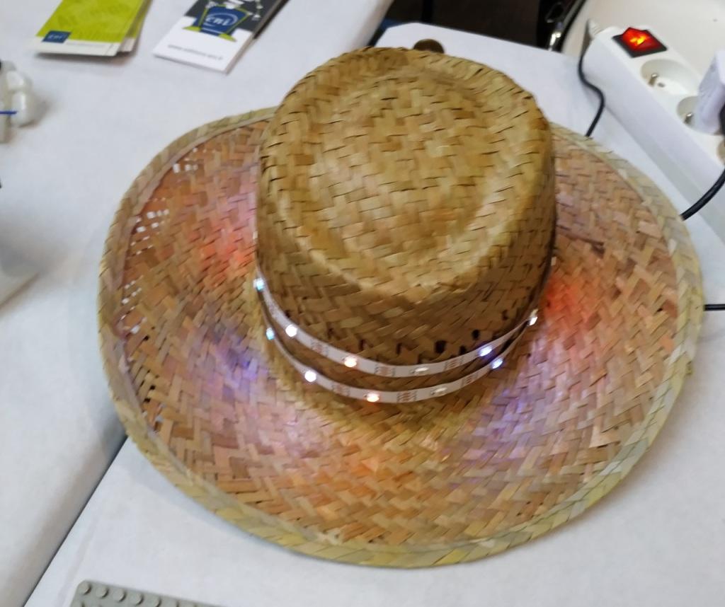 Le Chapeau à LED Neopixel