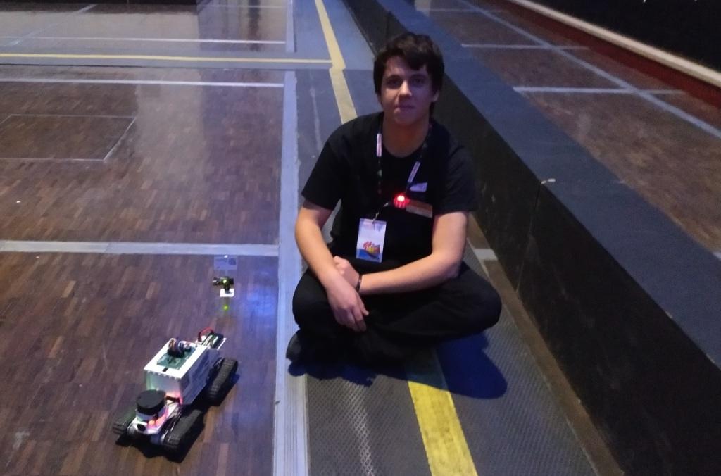 Victor SUEUR et son robot RACOON
