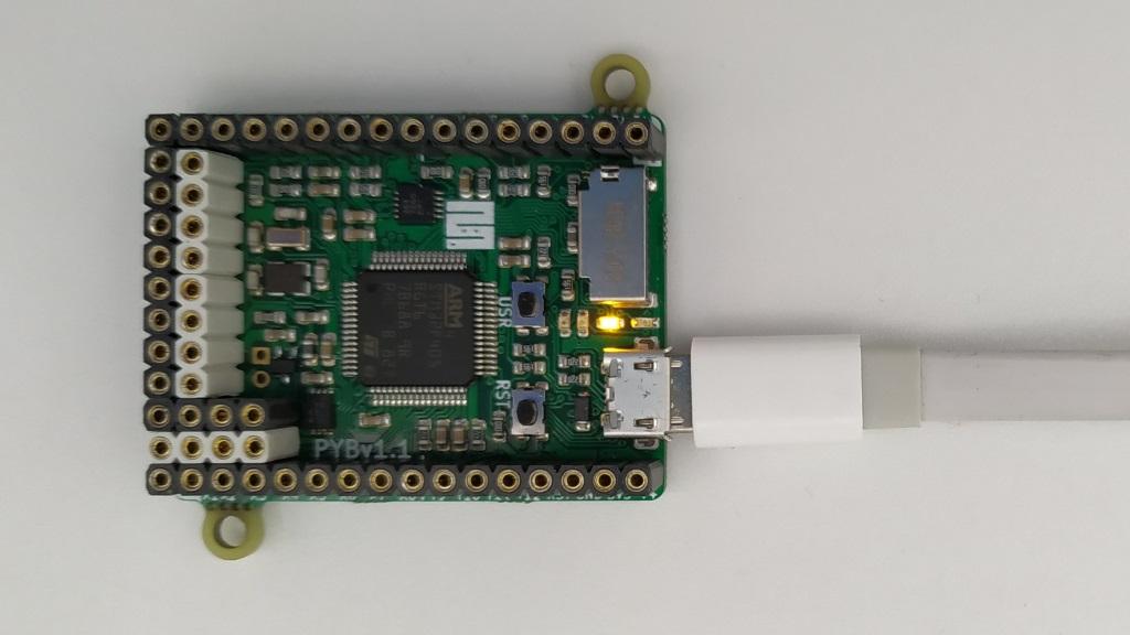 Test du programme Blink avec la carte Pyboard