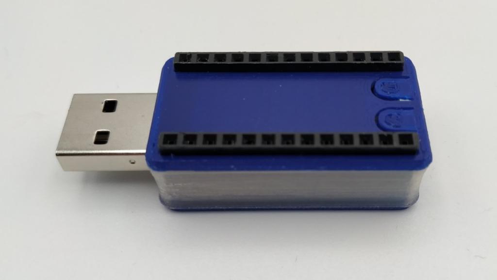 La PYBStick dans son boitier imprimé en 3D