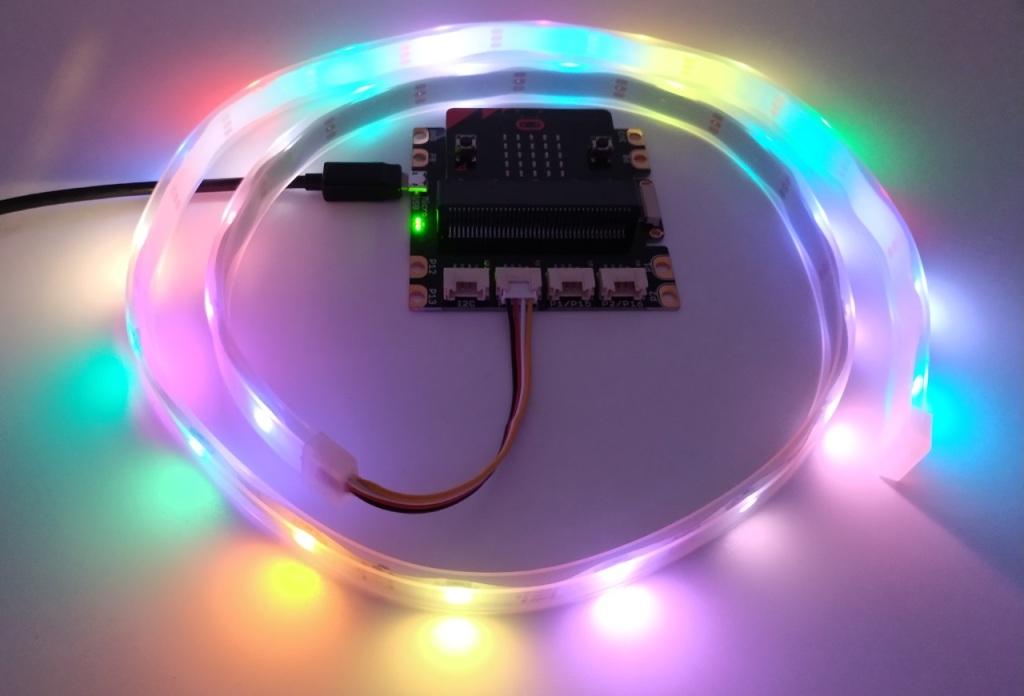 branchement d'un module Grove Neopixel au micro:bit