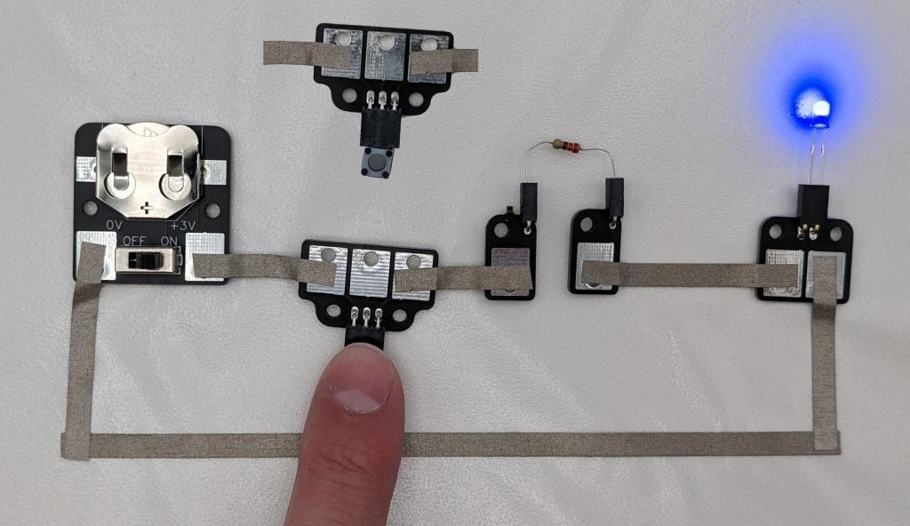 Premier circuit avec un bouton et une LED