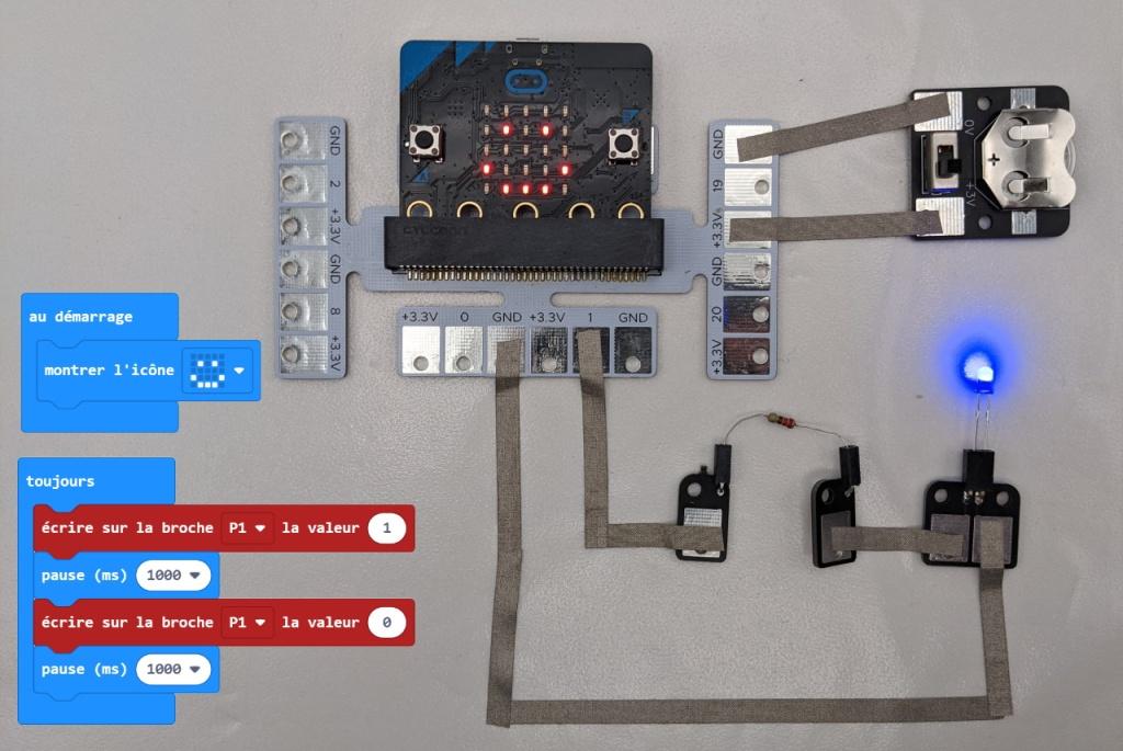 Clignotement de la LED avec le micro:bit et les modules MakeOn