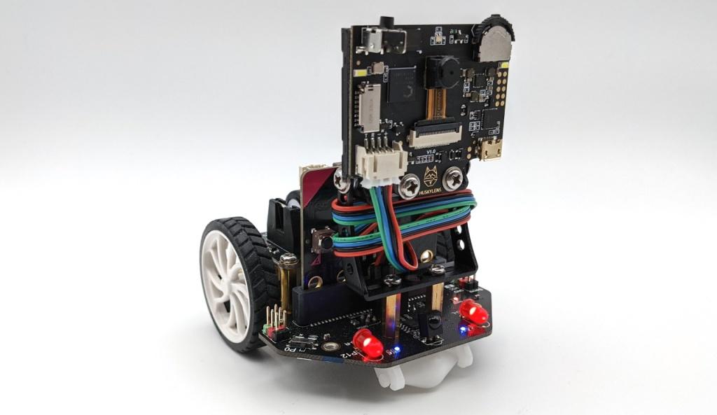 Robot Maqueen équipé de la carte HuskyLens