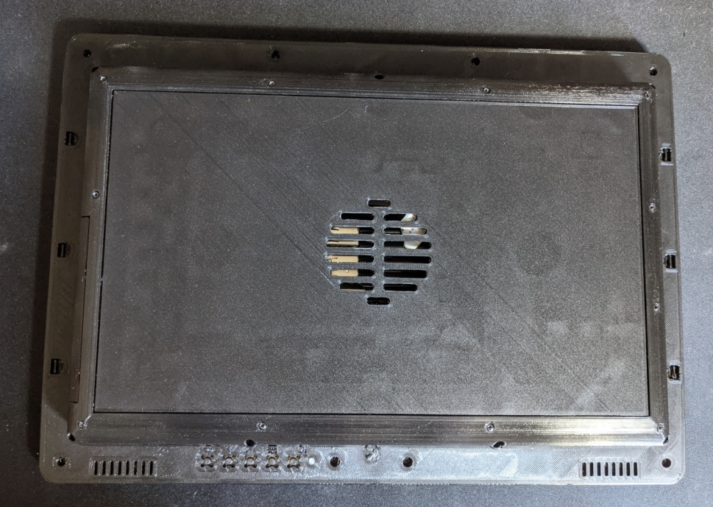 Montage du cache arrière de la Diskio Pi